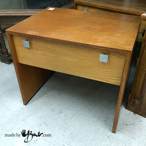 MCM-Thriftstore-Living-room-end-table