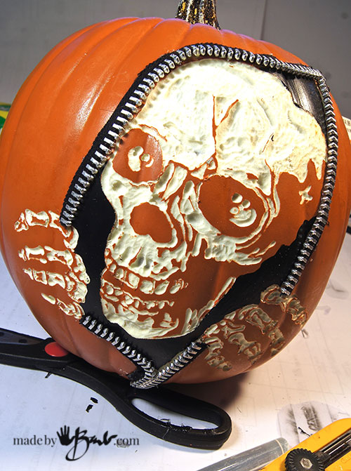 awesome-pumpkin-carving-diy-27-madebybarb-com