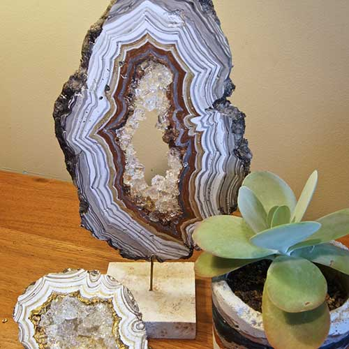DIY Giant Concrete Geode–madebybarb Hero