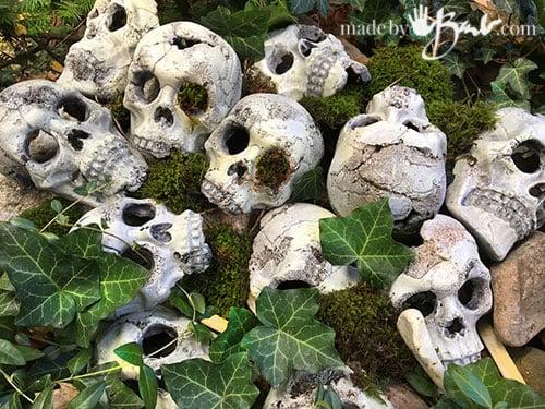many skulls in mossy hill